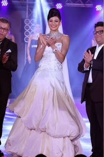 Sushmita Sen at India Bullion and Jewellery Awards 2013.