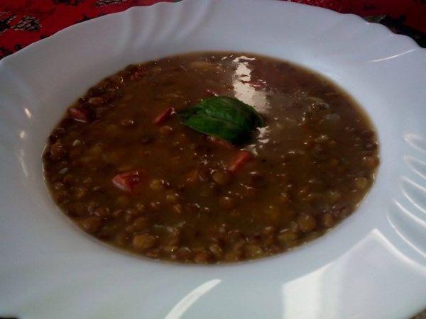 Čočková polévka s pikantní klobásou