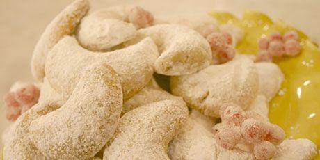 Greek Shortbread Cookies (Kourabiedes)