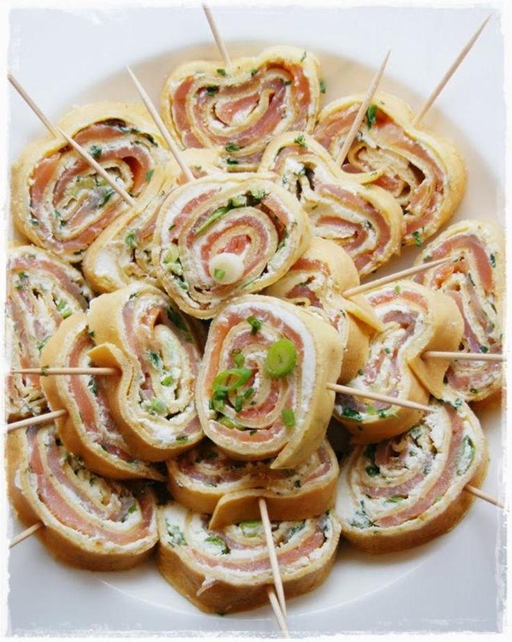Foto: Pfannkuchenröllchen gefüllt mit Lachs ,Frischkäse und Kräutern.... Veröffentlicht von Schuhfreak auf Spaaz.de