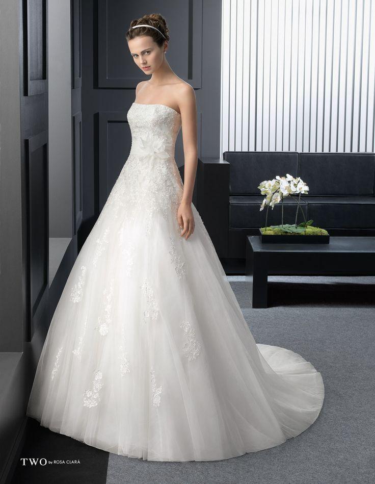 CHIC TWO-7 Lavorazioni #artigianali e #tagli perfetti su abiti ed accessori, per #matrimoni di grande classe. www.mariages.it