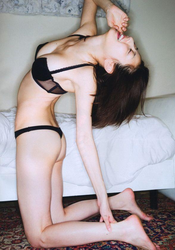 Yumi Sugimoto - Asian セクシー (^o^)