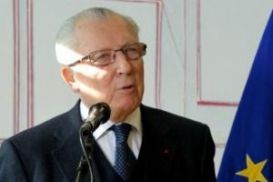 Former European Commission President Jacques Delors has backed the former WTO Director General Pascal Lamy to succeed José Manuel Barroso as the head of the EU executive next year.