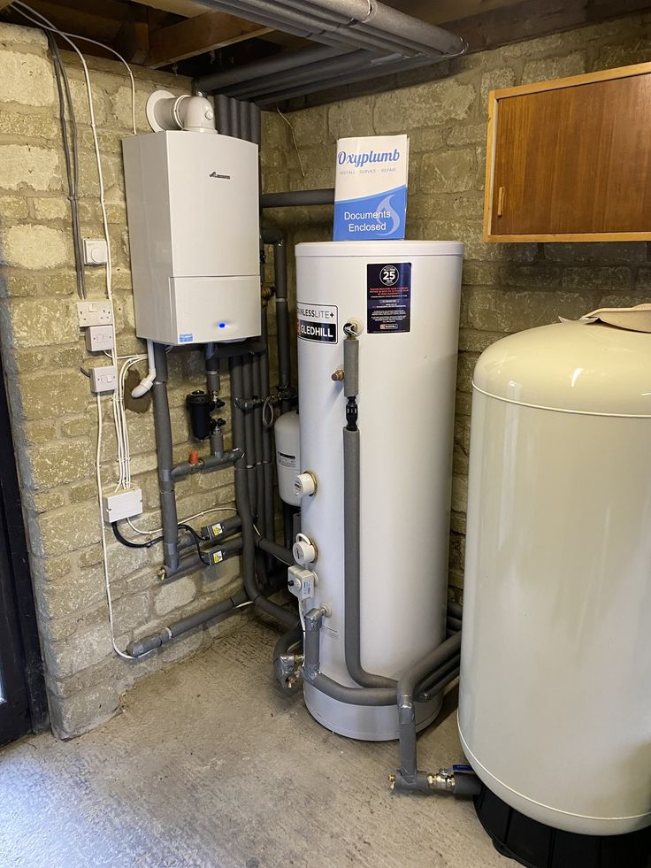 Garage installation of a worcester boiler a hot tank and