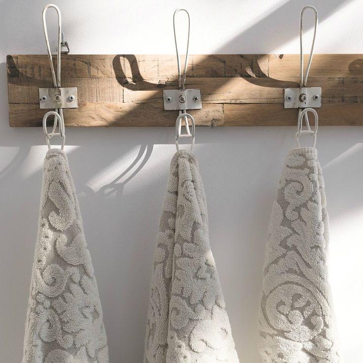 Plume Silk Premium Bath Towels - Cotton with Linen #egyptiancottontowels #luxurytowels bathroom decor, combed cotton | Shop at http://plumesilk.com/bath-towels/19-cotton-with-linen-bath-towels.html