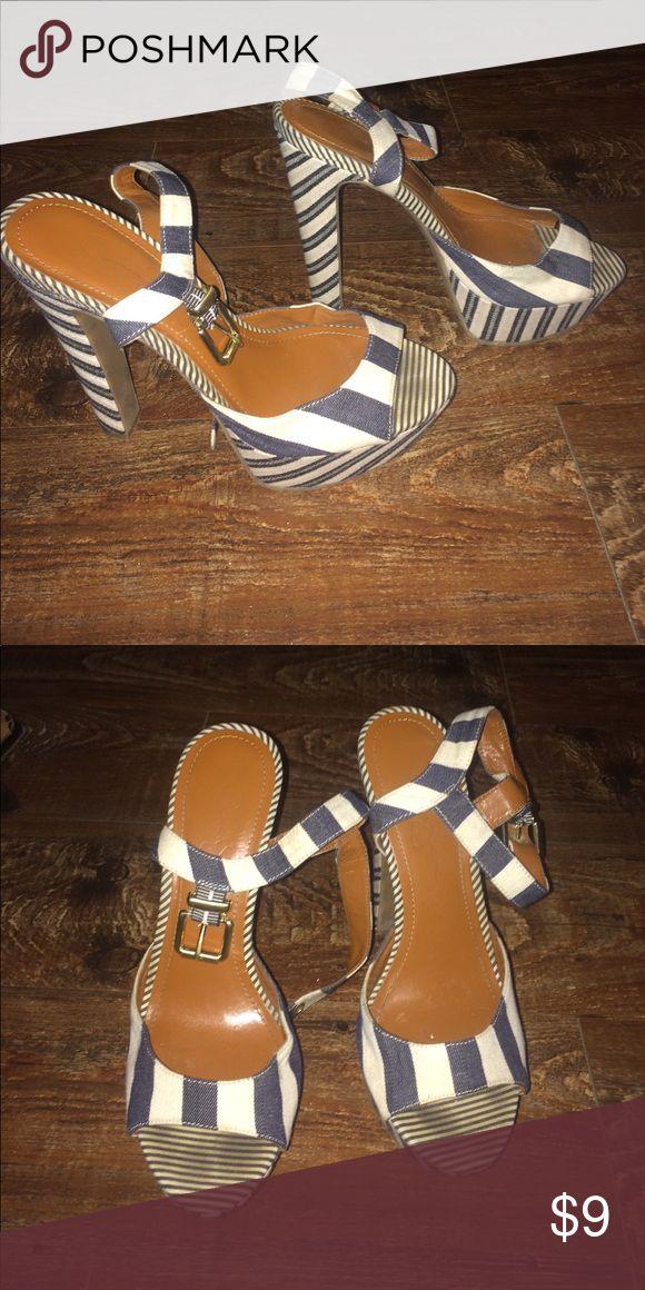 FAB jessica Simpson platform wedge Super cute Jessica Simpson Heel Jessica Simpson Shoes Heels