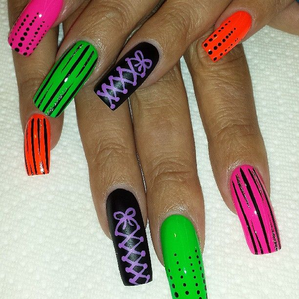 nailsbykari81 #neons   #instanails #nailsalon #nailartofinstagram #naillovers #nailswag #handpainted #nailartaddiction #nailgame #nails #acrylicnails #nailartstory