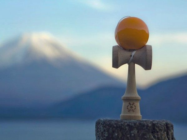 Kendama Toy - Kendama USA - A Japanese Skill Toy that is sweeping the nation. Looks fantastic for kids & adults.
