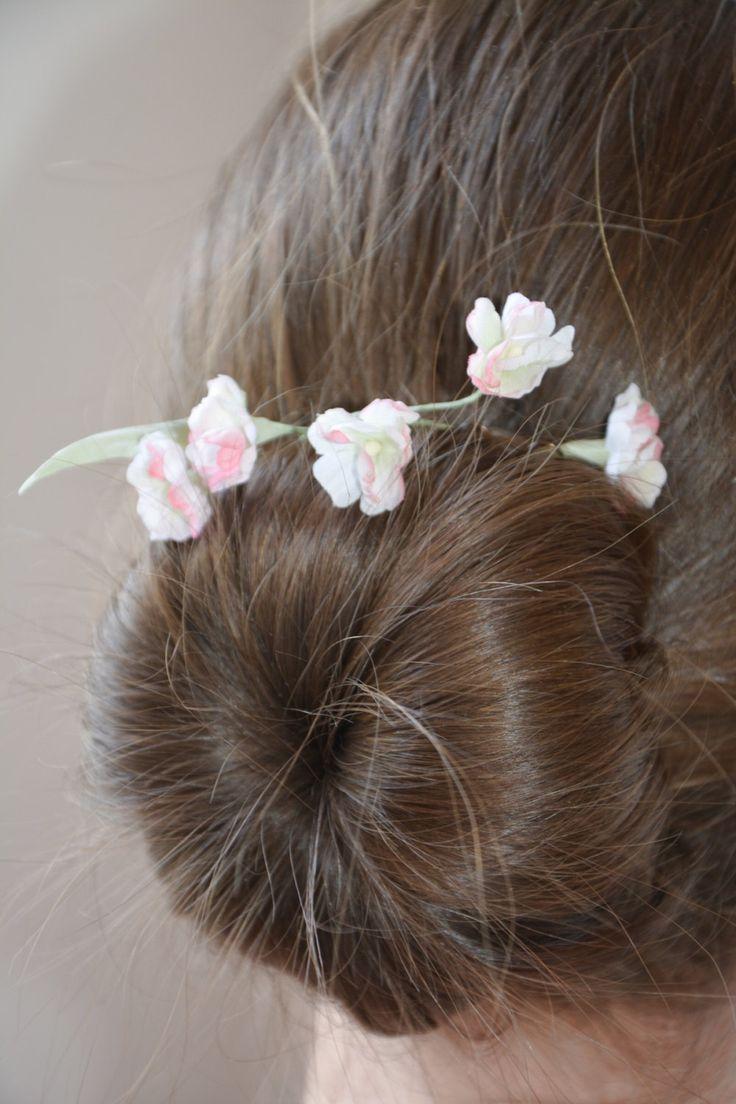 Нежные шелковые белые цветы, заколка для волос, свадебные украшения, интерьерные цветы by Roseisle on Etsy