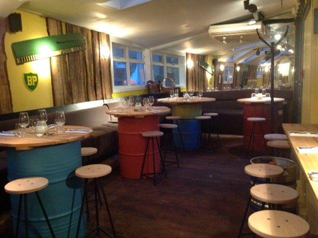 casa bellissimo blog mesa de madeira reciclada mesa feita com tambores reciclados decoração bares e restaurantes restaurante e bar em Londres Notting Hill (1)