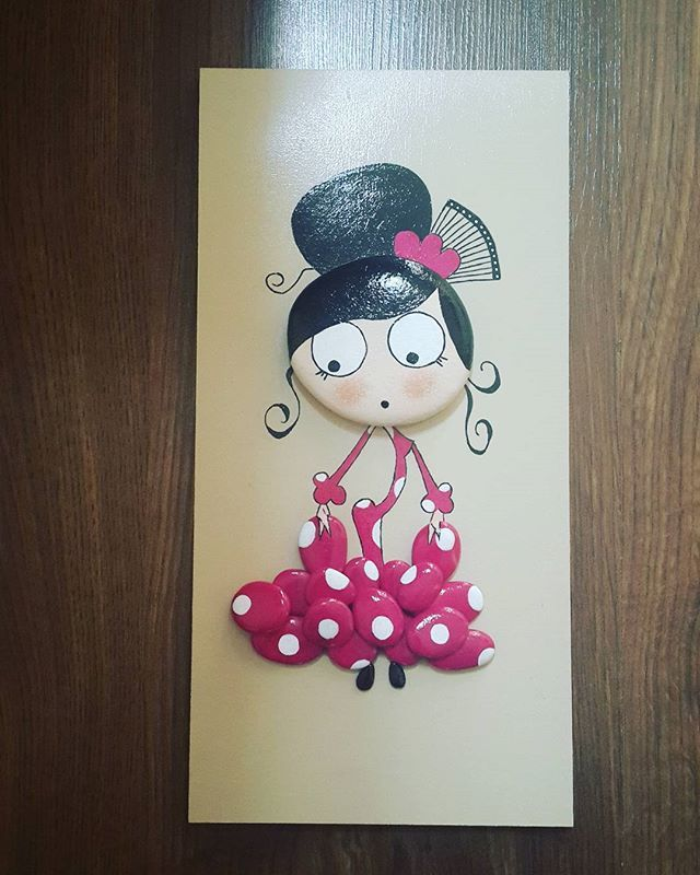 Cutie Painted stone - beautiful Spanish dancing flamenco ... olè!