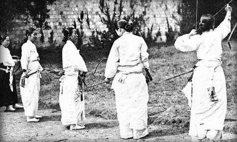 1910년 여성 궁도
