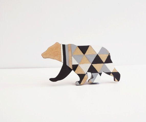 Spilla geometriche orso nero - Pin Arlecchino in legno orso on Etsy, 15,66€