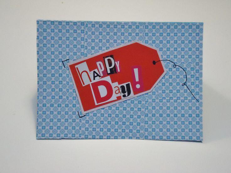 DIY verjaardagskaartje blauw printje met etiketje op Happy day = Happy B-day!