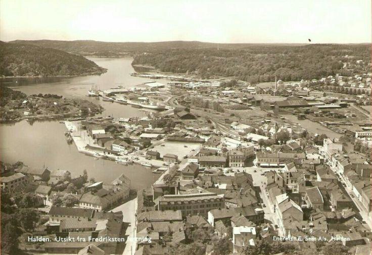 Østfold fylke Halden kommune Utsikt fra Fredriksten festning brukt 1950-tallet utg E. Sem, Halden