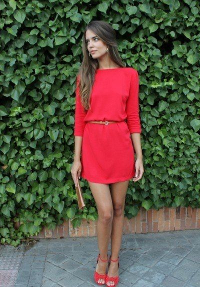 Love the simplicity of this belted red dress. So classic.