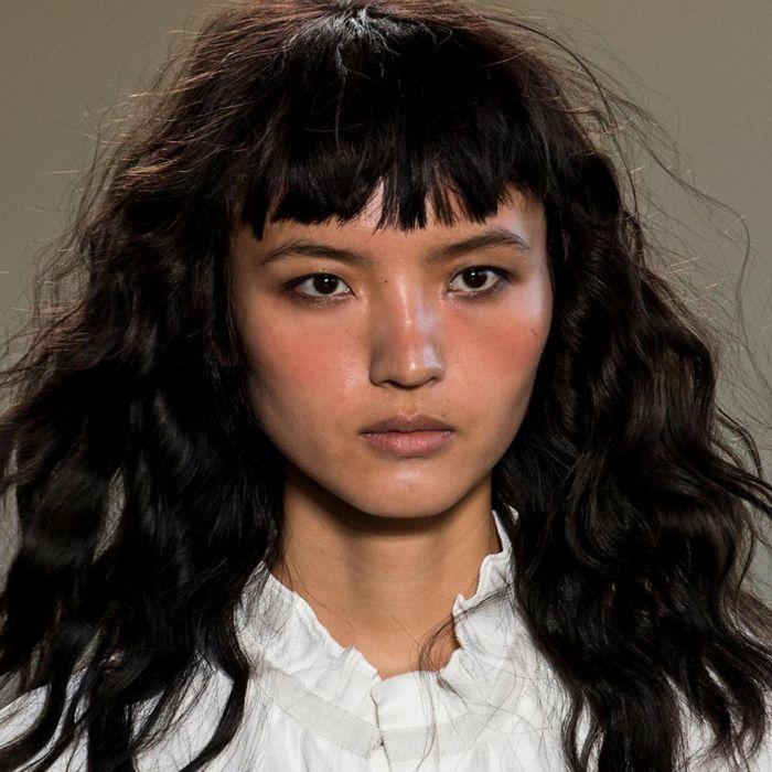 Clásico y sencillo peinados media melena rizada Galería De Tutoriales De Color De Pelo - Media Melena Rizada Con Flequillo 2018 - peinados originales