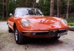 Car reviews of modern and classic sports cars and saloons/limos: From beautiful classic Italian sports cars designed by Pininfarina, such as the...