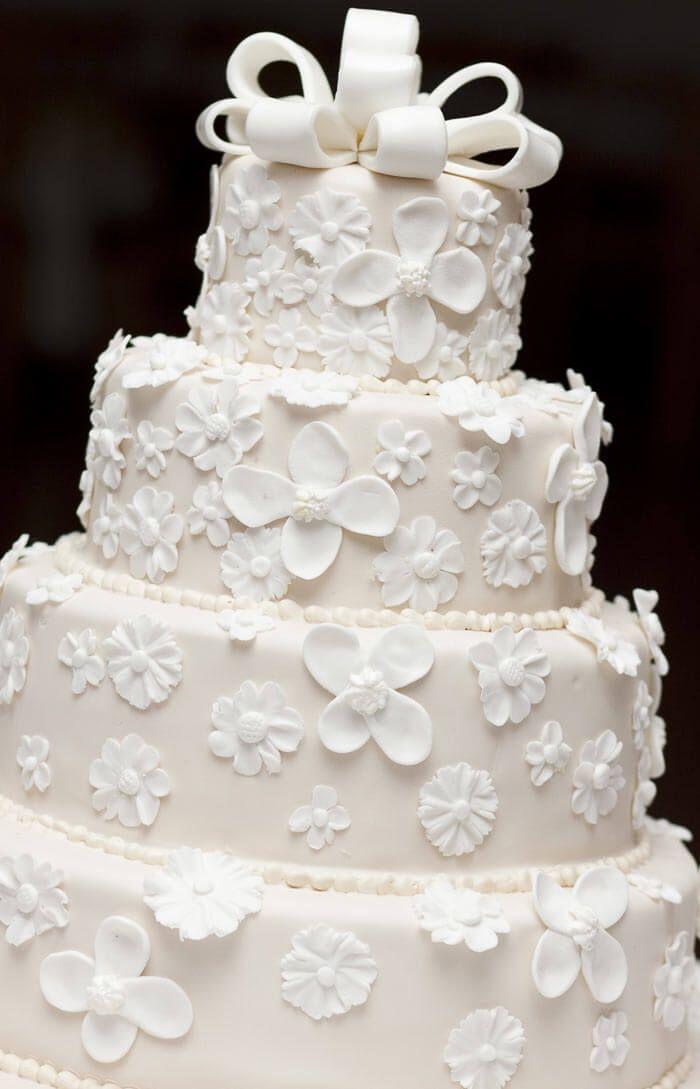 """Über 1.000 Ideen zu """"Weiße Hochzeitstorten auf Pinterest ..."""