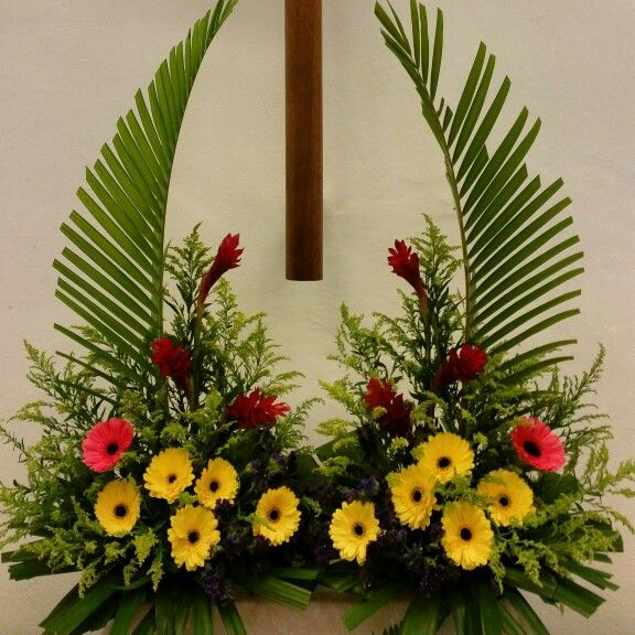 Church Altars Modern Flower Arrangement: 1000+ Images About Floral Arrangements On Pinterest