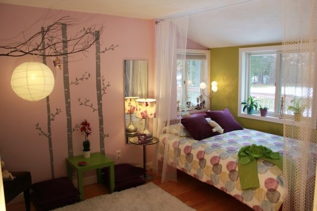 jugendzimmer-maedchen-deko-ideen-rosa-wand-birken-schatten