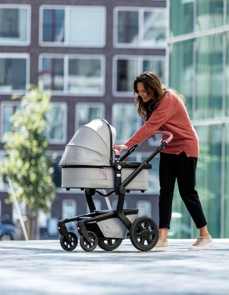 de Joolz Day2 kinderwagen is  vernieuwd en is nu hét ultieme vervoersmiddel voor jou en je kindje. Online verkrijgbaar én in onze Megastores!