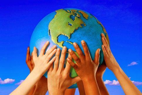 Que tipo de pessoas este mundo precisa?  Como avaliar , o que fazer em rumo a um mundo cada vez mais hipócrita e materialista?  Quais são os ideais a ter?  Como agir?