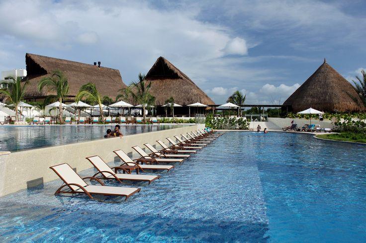 Occidental Grand Cartagena's pool is a dream