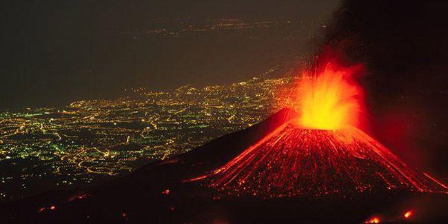 Vemale.com - Gunung Kelud meletus tadi malam. Sedikit menambah pengetahuan, inilah kisah legenda di balik Gunung Kelud.