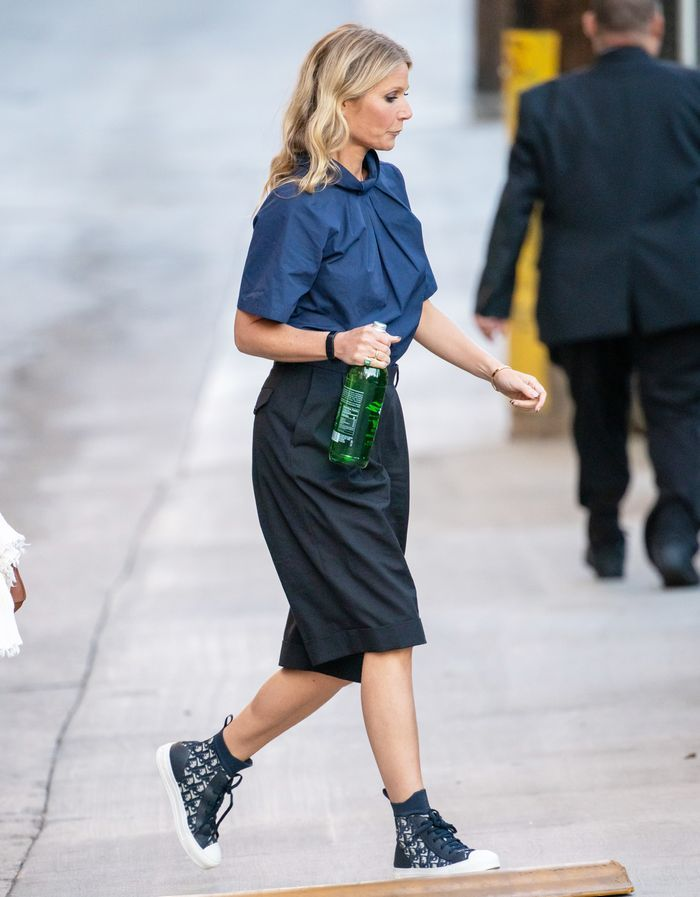 Gwyneth Paltrow Just Made Lange, Baggy Shorts sehen elegant aus   – Style