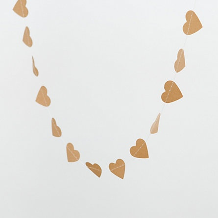 kraft paper heart garland. easily recreated.