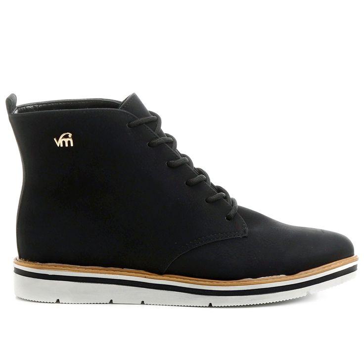 Compre Bota Via Marte Coturno Sola Branca Preto na Zattini a nova loja de moda online da Netshoes. Encontre Sapatos, Sandálias, Bolsas e Acessórios. Clique e Confira!