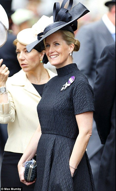 The Countess of Wessex in the Royal Enclosure at Royal Ascot. Loving that her skirt has pockets.  Lady's Day  ~~ June 19, 2014.