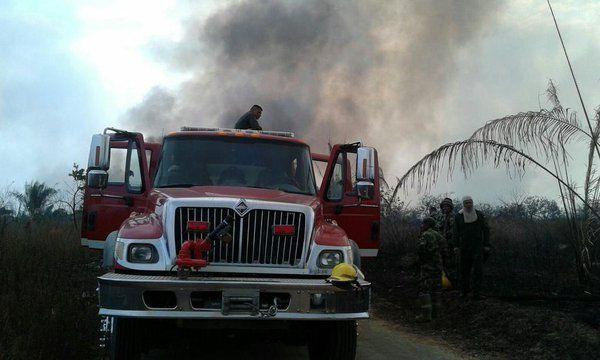 Incendio forestal en Tolemaida se controla por los bomberos aeronáuticos de aviación ejército.  Servicio de Salvamento y Extinción de Incendios de Aviación Ejercito - América Militar