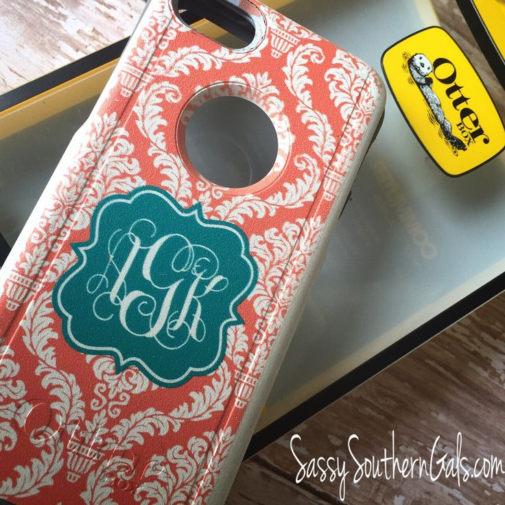 Monogrammed Otter Box on www.SassySouthernGals.com - Monogrammed Gifts & Accessories
