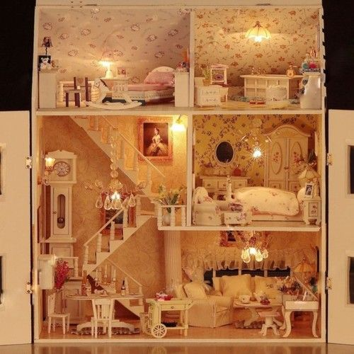littlesplay:    (via Wooden Dollhouse Miniature DIY/ Roombox Victorial by mini666)