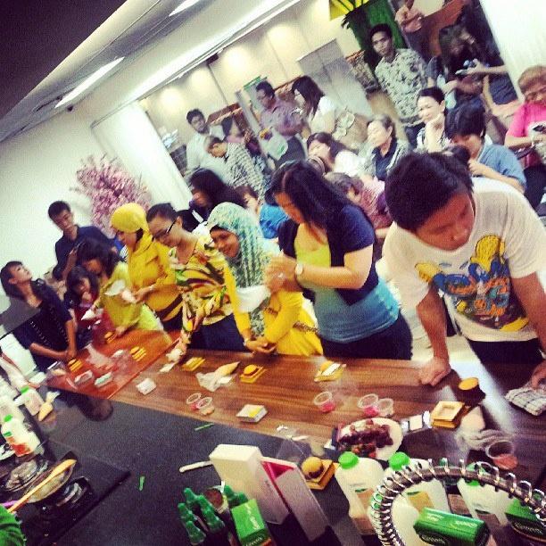 Final Dekorasi Cupcake di Hero Mall Taman Anggrek