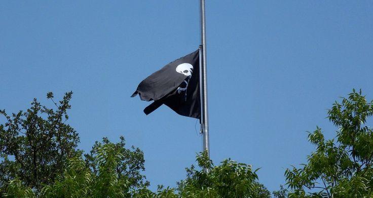Qué significa la bandera pirata de Apple en su cuartel general