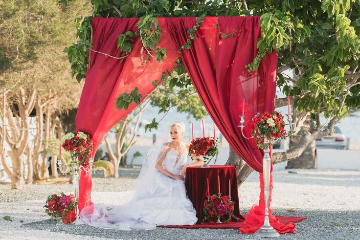 Пляжная свадьба на острове любви, Гермасойя, Кипр - свадебный пакет от особых моментов Свадьбы и события - iBride.com