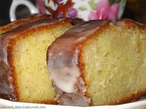 Влажный лимонный кекс на йогурте