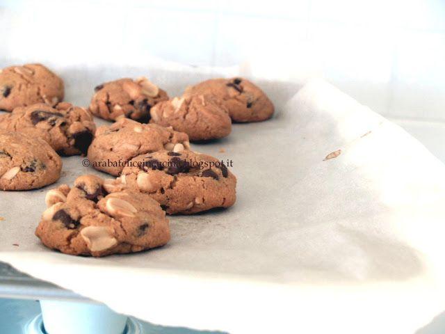 Arabafelice in cucina!: Biscotti furbissimi al burro di arachidi e cioccolato, senza farina