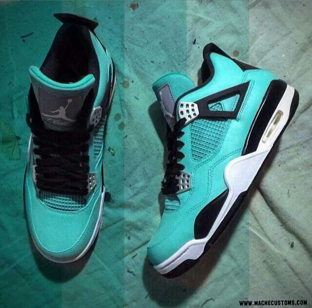 New Jordan 4