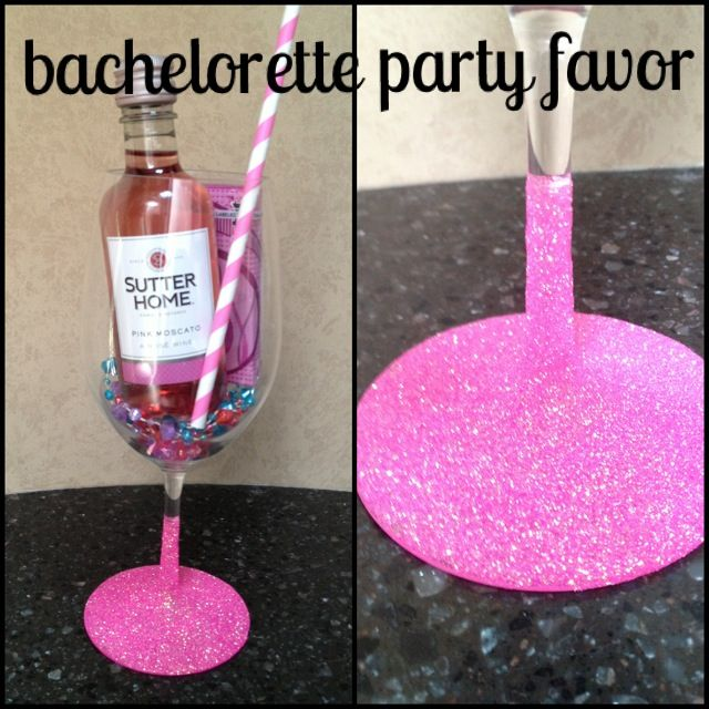 Bachelorette Party Favor Glitter Dipped Wine Gl With Mini Gum Necklaces A Straw For Pre Drinking Bridesmaids Favors