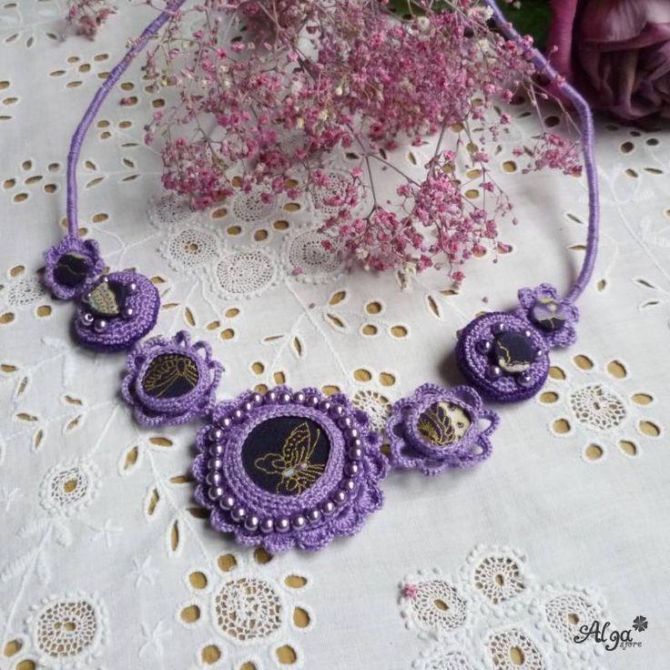 Háčkovaný náhrdelník Violetta