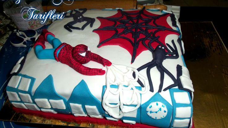 örümcek adam temalı doğum günü pastası