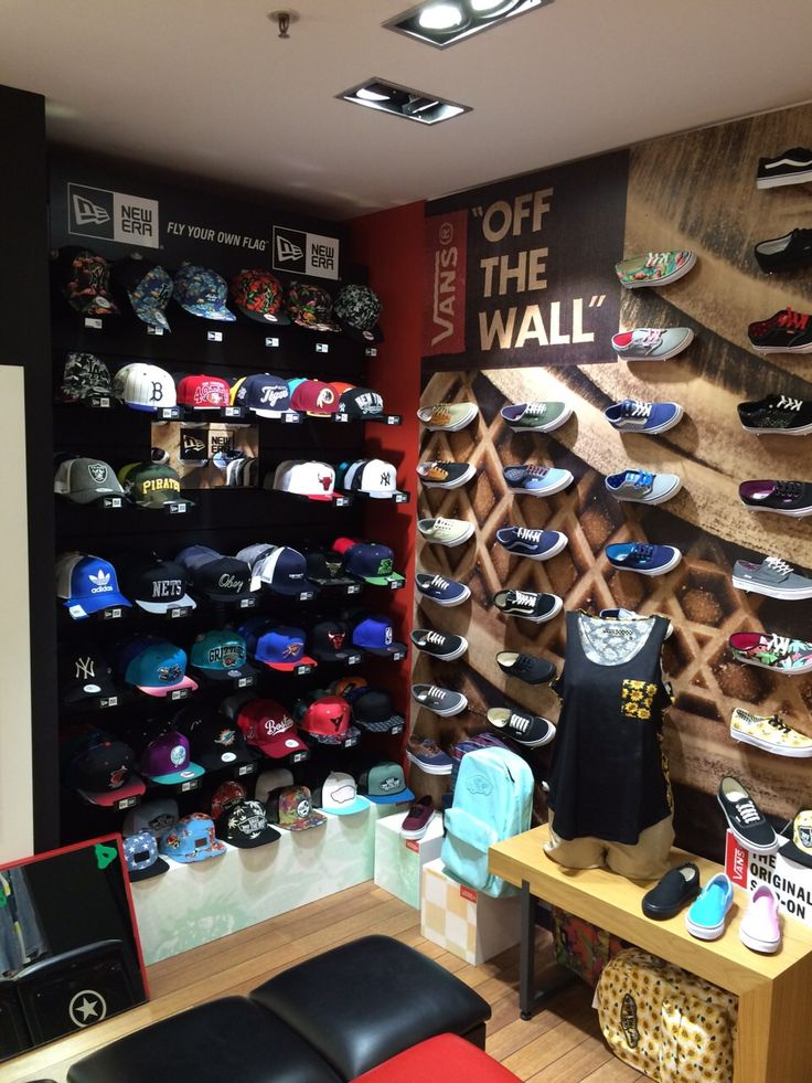 Sportnova centro comercial plenilunio gorras y for Centro comercial el mueble catalogo