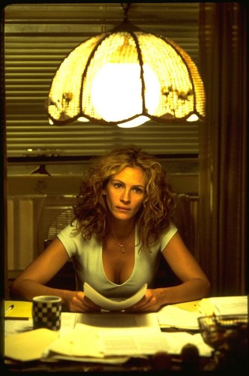 "Julia Roberts in ""Erin Brockovich"" (2000) Best Actress Oscar 2000"