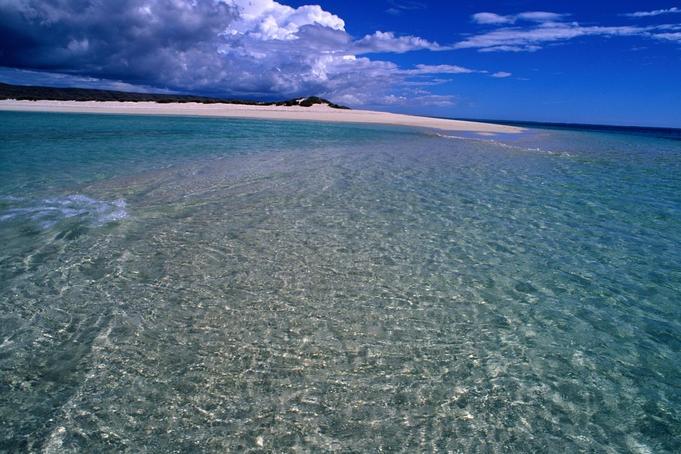 Pristine waters at Turquoise Bay, Ningaloo Reef.
