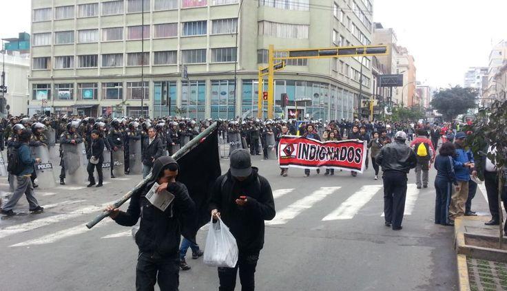 #FOTOS: miles de manifestantes del #27J marchan en dirección al #Congreso