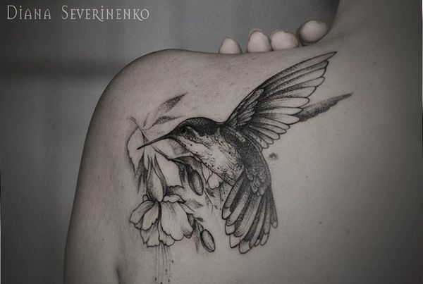 realistic black and gray shoulder with rose and rosebuds